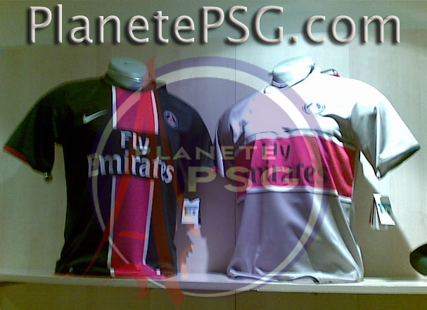 PSG home and away